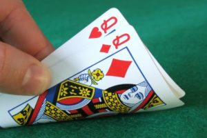 How to Choose Perfect and Beneficial Poker Hands?